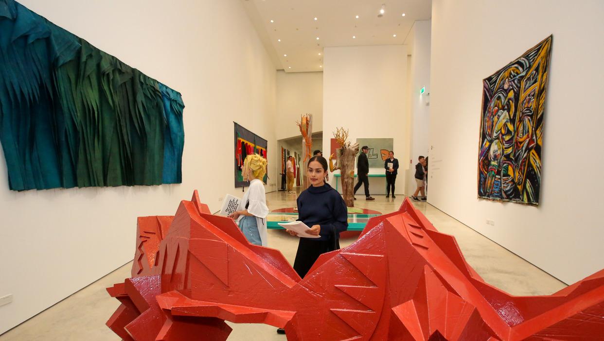 Len Bielefeld govett brewster gallery artguide artforum international