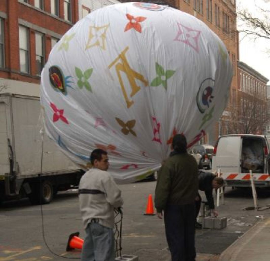 Balloon designed by Takashi Murakami, New York, 2003.