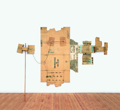 "Robert Rauschenberg, Lake Placid / Glori-Fried / Yarns from New England (Cardboard), 1971, cardboard, rope, and wood pole, 9' 6 3/4"" x 13' 5"" x 8""."