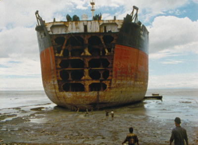 Peter Hutton, At Sea, 2004–2007, still from a color film in 16 mm, 60 minutes.