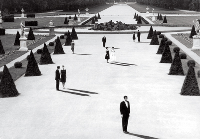 Alain Resnais, L'Année dernière à Marienbad (Last Year at Marienbad), 1961, still from a black-and-white film in 35 mm, 94 minutes.