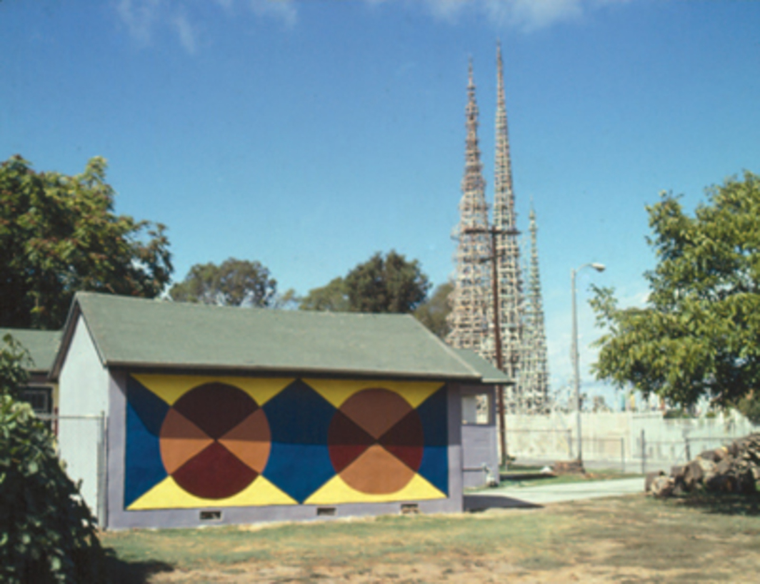 1784 107th Street with the Watts Towers in the background, Los Angeles, 2000. Photo: Edgar Arceneaux.