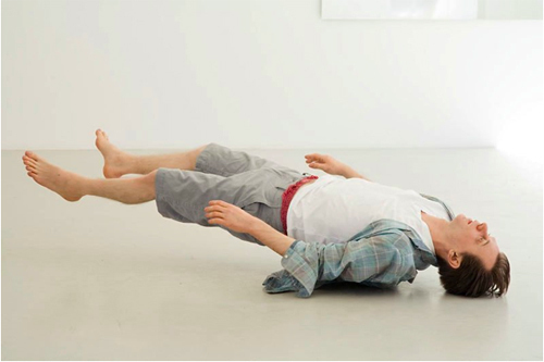 Tony Matelli, Josh, 2010, silicone, hair, fiberglass, urethane, steel, clothes, dimensions variable.
