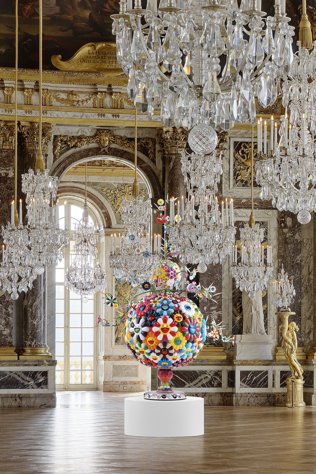 "Takahashi Murakami, Flower Matango, 2001-2006, fiberglass, iron, oil, acrylic, 10' 4"" x 6' 8"" x 8' 7"". Montage of the work in Galerie des Glaces, Château de Versailles, France. Photo: Florian Kleinefenn."