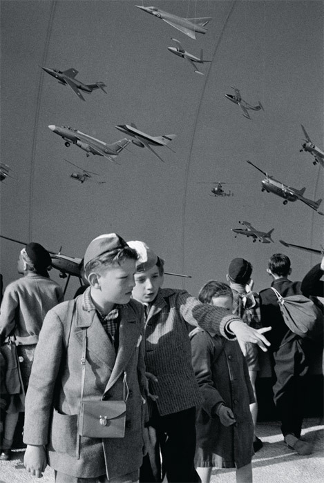 "Henri Cartier-Bresson, World's Fair, Brussels, Belgium, 1958, black-and-white photograph, 12 x 8 1/8"". © Henri Cartier-Bresson/Magnum Photos."