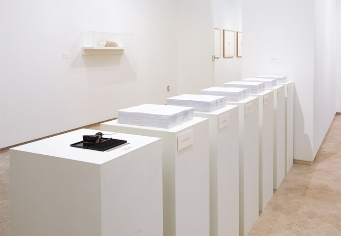 Luis Camnitzer, Selbstbedienung (Self-Service), 1996/2010, photocopies, rubber stamp, ink pad, wooden bases, dimensions variable.
