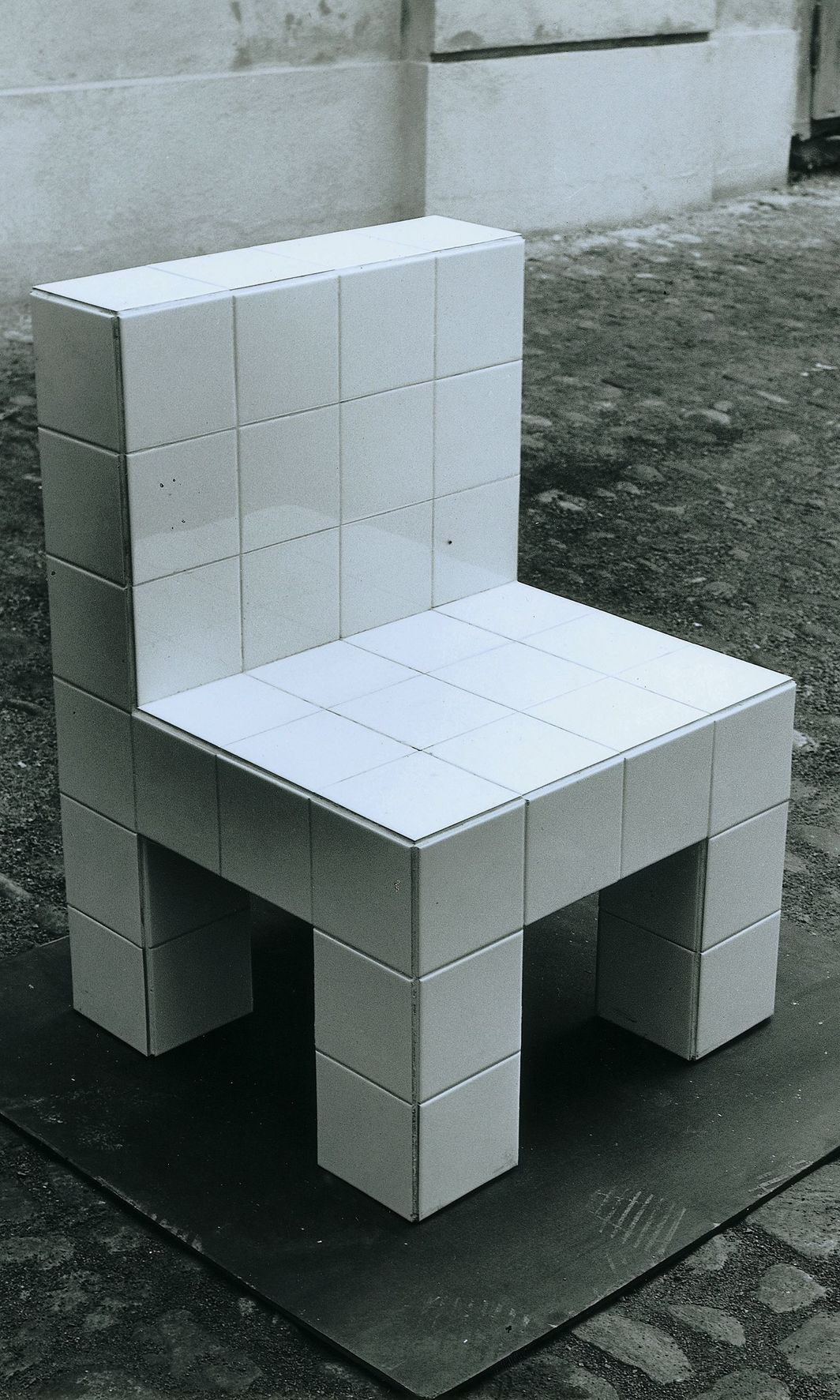 "Hans Hollein, Chair, 1972, white flagging on kern, 37 3/5 × 24 2/5 × 24 2/5""."