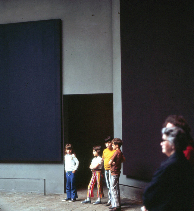 *Visitors inside the Rothko Chapel, Houston, 1971.* Photo: Patrick Lopez.
