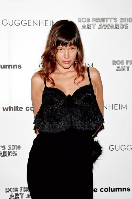 Paz de la Huerta posing as Michele Abeles at Rob Pruitt's 2010 Art Awards, Webster Hall, New York, December 8, 2010. Photo: Roger Kirsby.