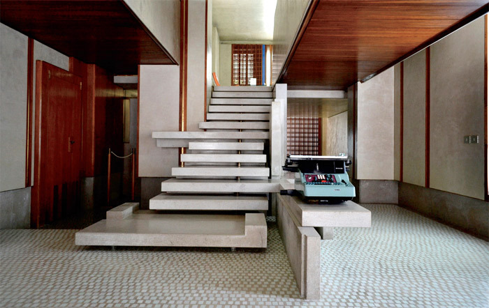 Interior of Carlo Scarpa's Olivetti showroom, Venice, July 28, 2011. Photo: Timmar Shall/Flickr.