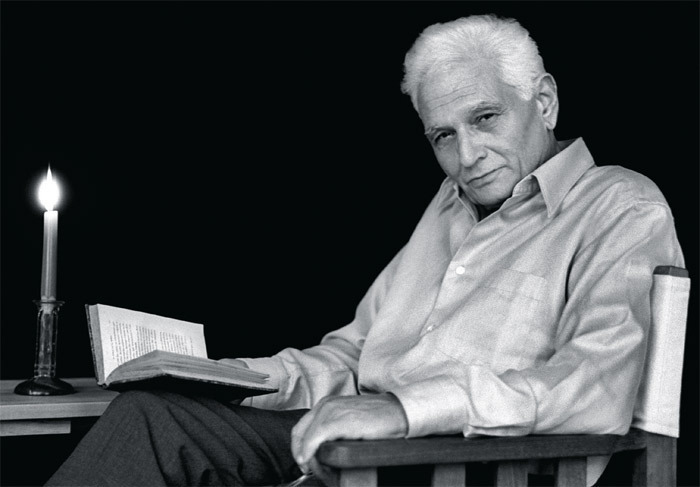 Jacques Derrida at home in Ris-Orangis, near Paris, January 6, 2001. Photo: Joel Robine/AFP/Getty Images.