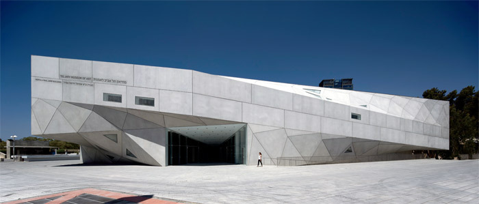 View of Preston Scott Cohen's Herta and Paul Amir Building, Tel Aviv Museum of Art, 2011. Photo: Amit Geron.