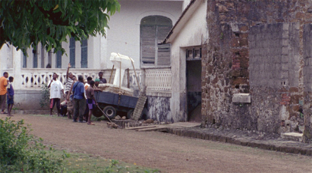 Paloma Polo, Action at a Distance, 2012, still from a color film in 16 mm transferred to HD video, 19 minutes 