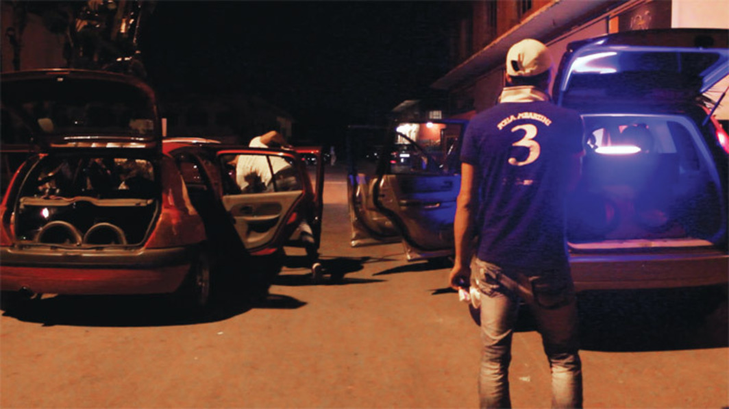 Joe Namy, Automobile, 2012. Performance view, in front of Ashkal Alwan, Beirut, July 31, 2012. Photo: Ghalas Charara.