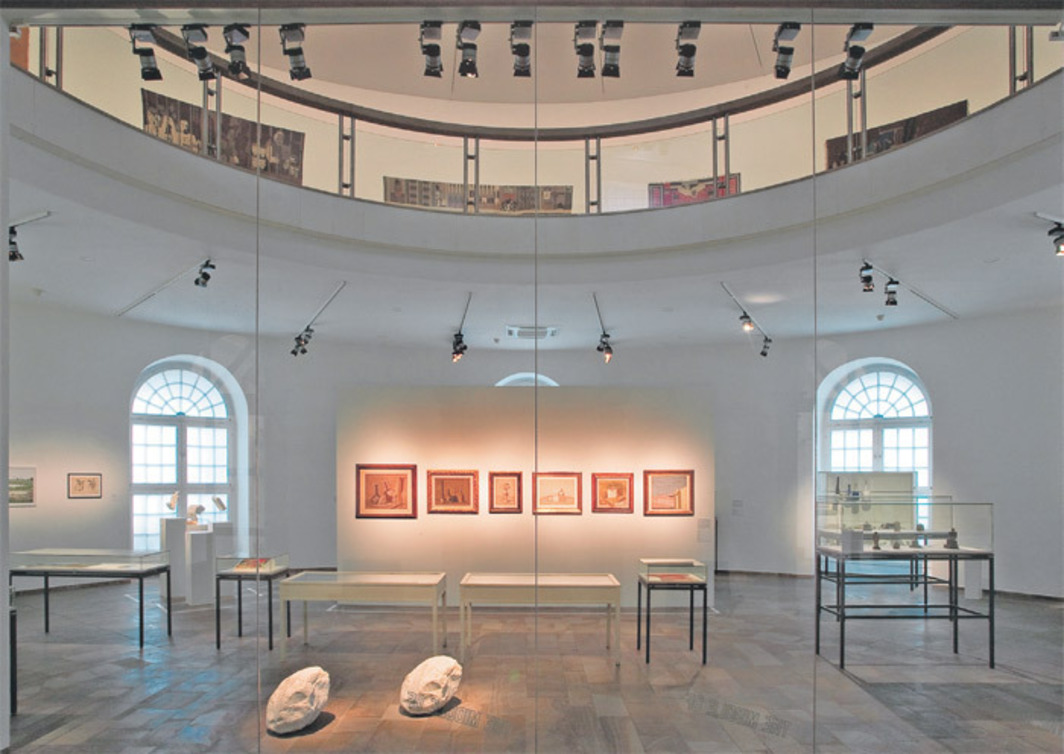 "View of ""The Brain,"" 2012, Kunsthalle Fridericianum, Kassel. Photo: Roman März."