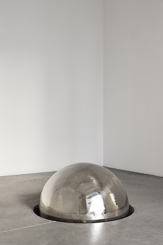 António Bolota, Untitled, 2012, stainless steel, concrete, dimensions variable.