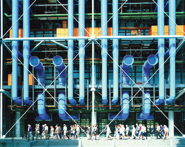 Richard Rogers and Renzo Piano, Centre Pompidou, 1971–77, Paris. Photo: David Noble.