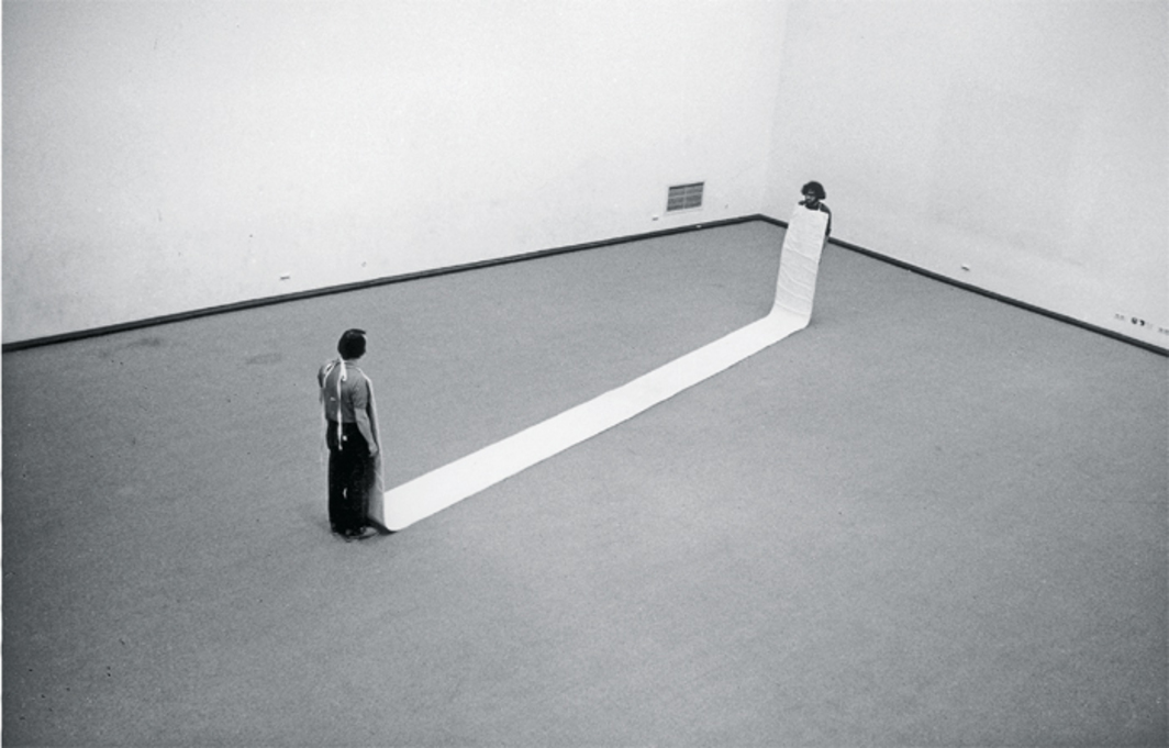 "Franz Erhard Walther, Element No. 5: Elfmeterbahn, 1964, cotton. Installation view, Kunsthalle Düsseldorf, 1969. From the series ""1.Werksatz"" (First Works Set), 1963–69. Photo: Timm Rautert."