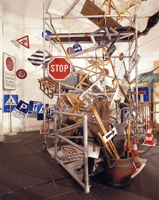 Tomoko Takahashi, Deep Sea Diving/Dive 2: Parking, 2002. Installation view, Kunsthalle Bern, 2002. Photo: Dominique Uldry.