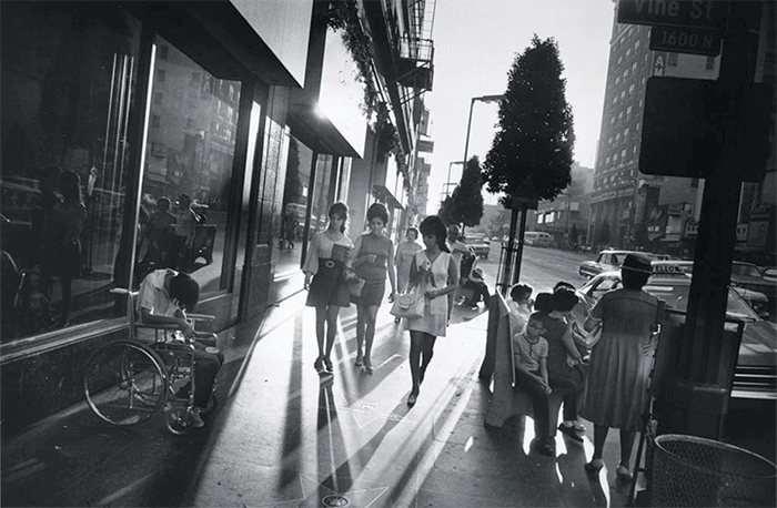 "Garry Winogrand, Los Angeles, California, 1969, gelatin silver print, 16 × 20"". © The Estate of Garry Winogrand. Fraenkel Gallery, San Francisco."