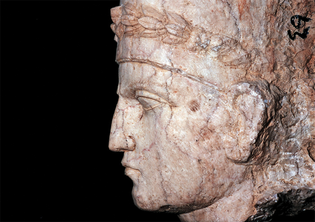 A marble bust of a Palmyrene man discovered by the team of Khaled al-Asaad, Palmyra, Syria, September 1, 2002. Photo: Marc Deville/Getty Images.