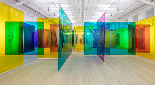 Olafur Eliasson, Seu corpo da obra (Your Body of Work), 2011, foil, wood, spotlights, dimensions variable.
