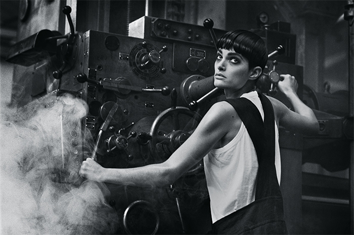 Peter Lindbergh, photograph for Comme des Garçons advertising campaign, spring/ summer 1985.
