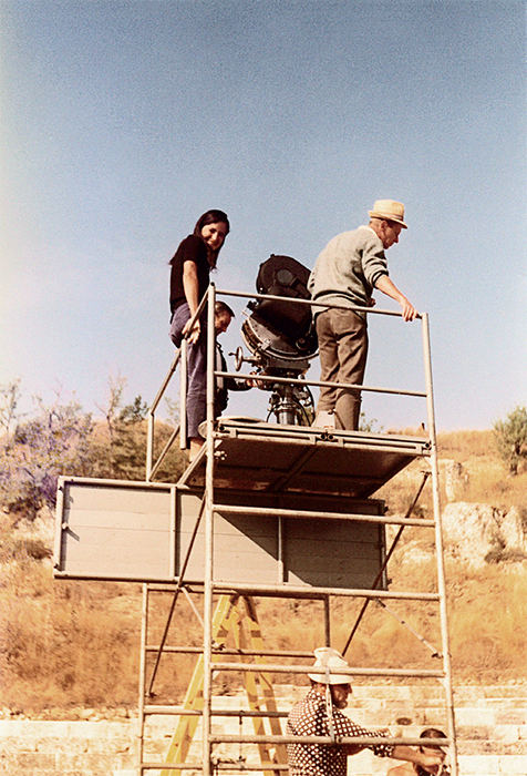 Jean-Marie Straub and Danièle Huillet on location during the filming of Moses und Aron (Moses and Aaron), 1975, Alba Fucense, Italy, August 1974. Photo: Bernard Rubenstein. Photo: Austrian Film Museum.
