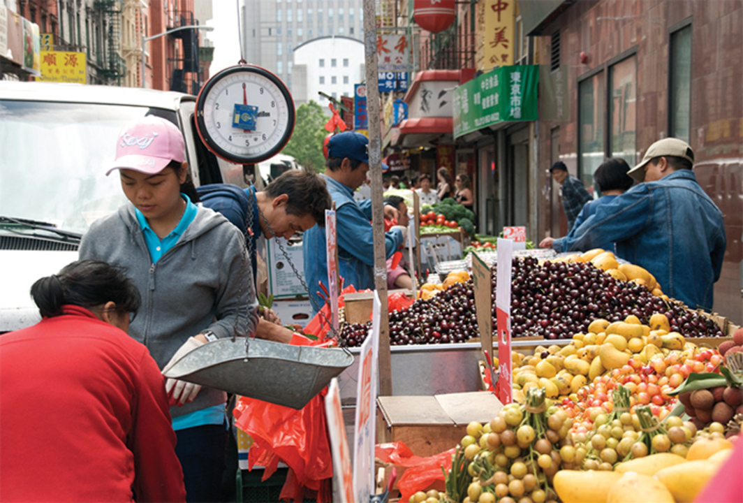 *Fruit market, Chinatown, New York, June 22, 2009.* Photo: Estitxu Carton/Flickr.