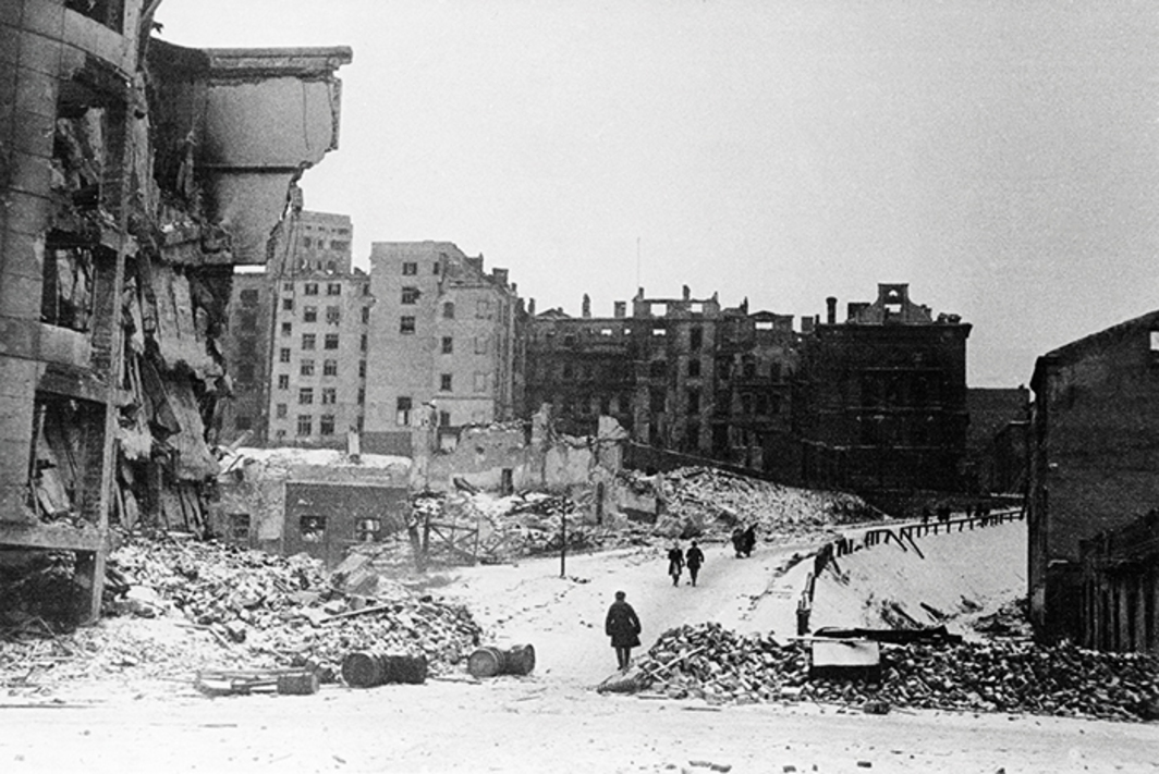 Central Warsaw, February 1945. Photo: Images Group/Rex/Shutterstock.