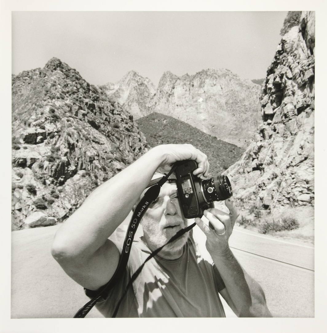 "Lee Friedlander, Richard Benson, 2009, gelatin silver print, 14 13/16 x 14 11/16"". Courtesy Fraenkel Gallery, San Francisco."