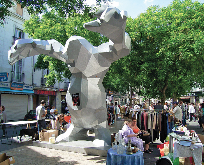 View of Xavier Veilhan's Le monstre (The Monster), 2004, Tours, France. Photo: Tomoyoshi Noguchi/Flickr.