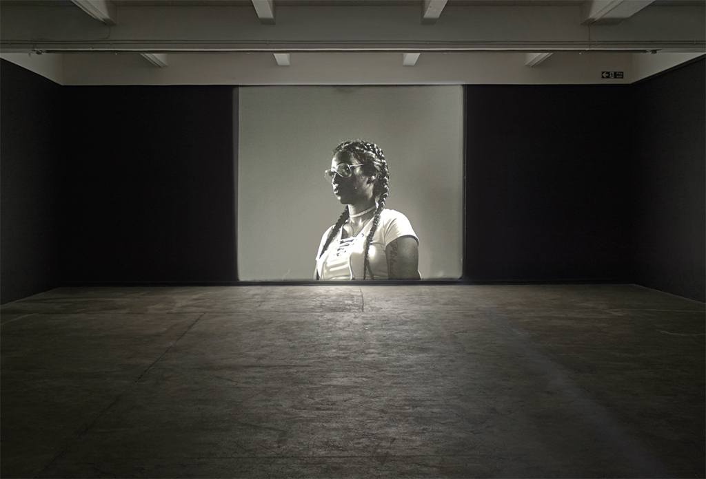 Luke Willis Thompson, autoportrait, 2017, 35 mm, black-and-white, silent, 8 minutes 50 seconds. Installation view, Chisenhale Gallery, London. Diamond Reynolds. Photo: Andy Keate.