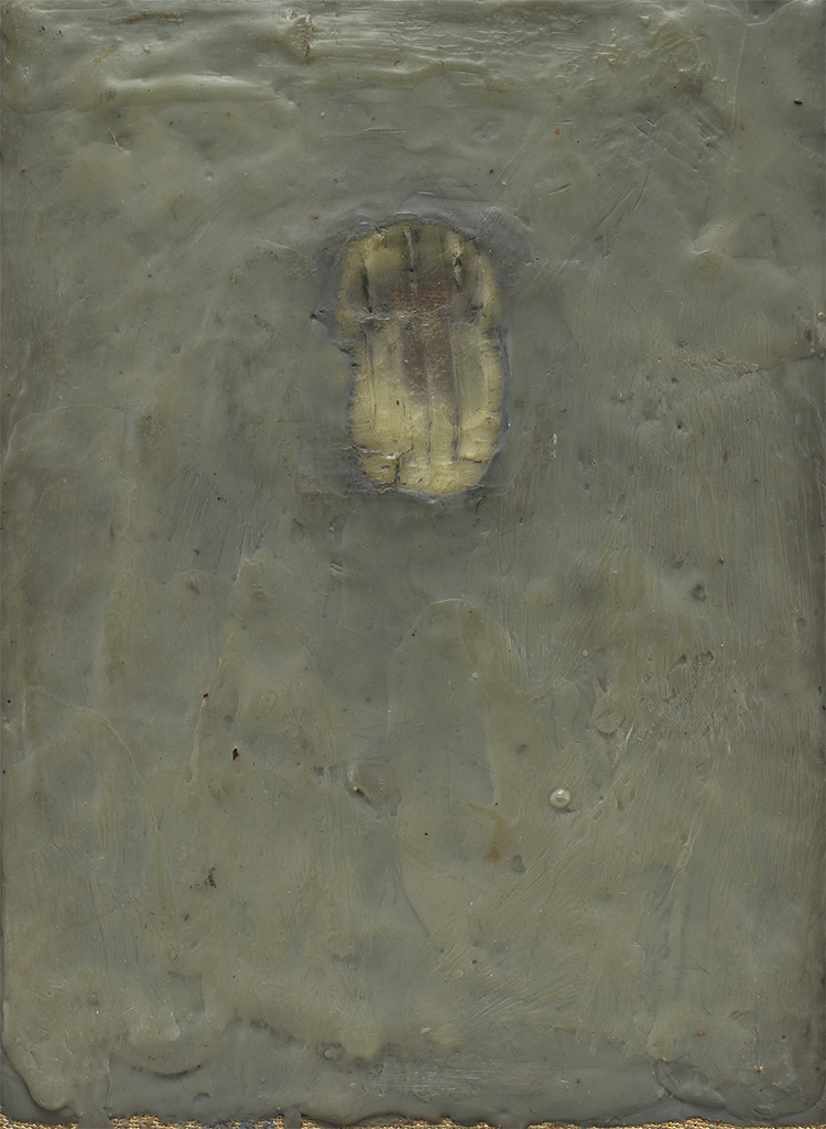 "Jasper Johns, Painting Bitten by a Man, 1961, encaustic on canvas mounted on type plate, 9 1/2 × 6 7/8"". © Jasper Johns/VAGA, New York/DACS, London."