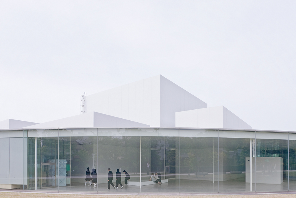 SANAA, 21st Century Museum of Contemporary Art, 2004, Kanazawa, Japan. Photo: Iwan Baan.