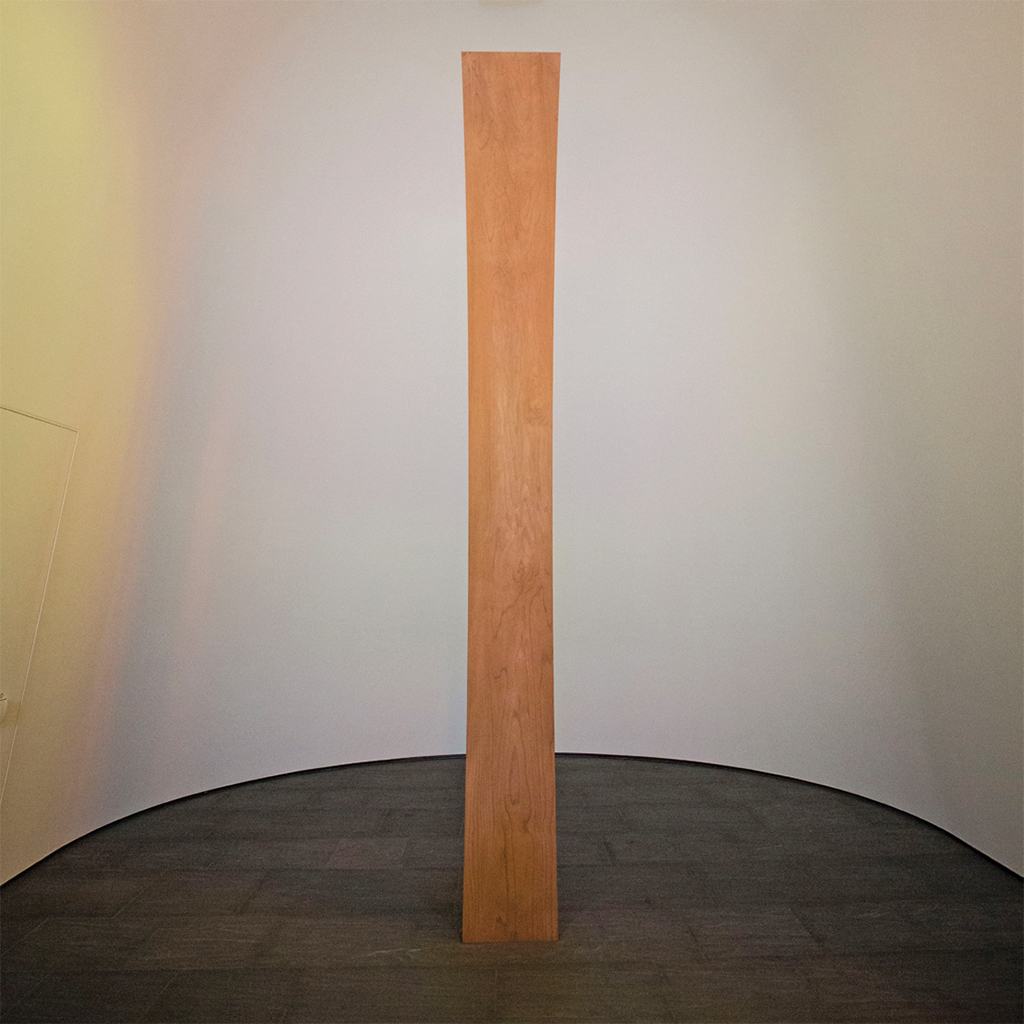 Redwood totem component of Ellsworth Kelly's Austin, 2015. Installation view, Blanton Museum of Art, the University of Texas at Austin, 2018. Photo: Gabriel C. Pérez.