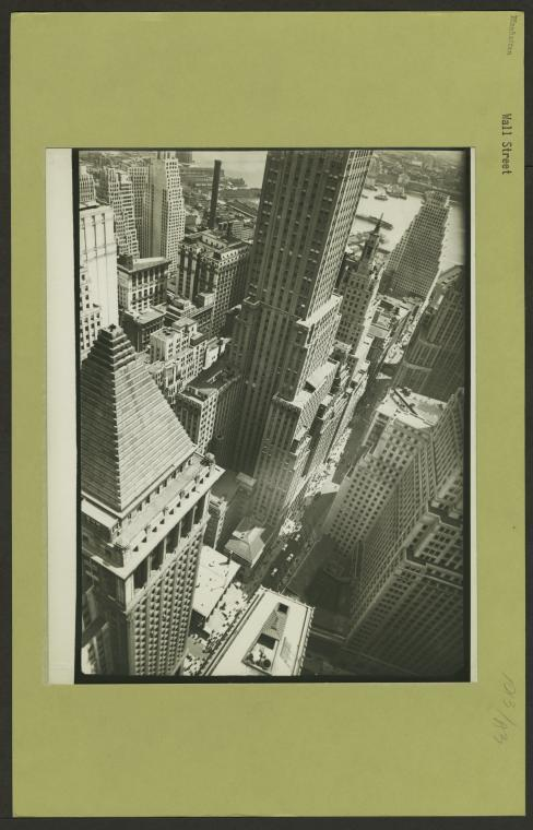 Berenice Abbott, Manhattan: Wall Street, 1938. Photo: The New York Public Library.
