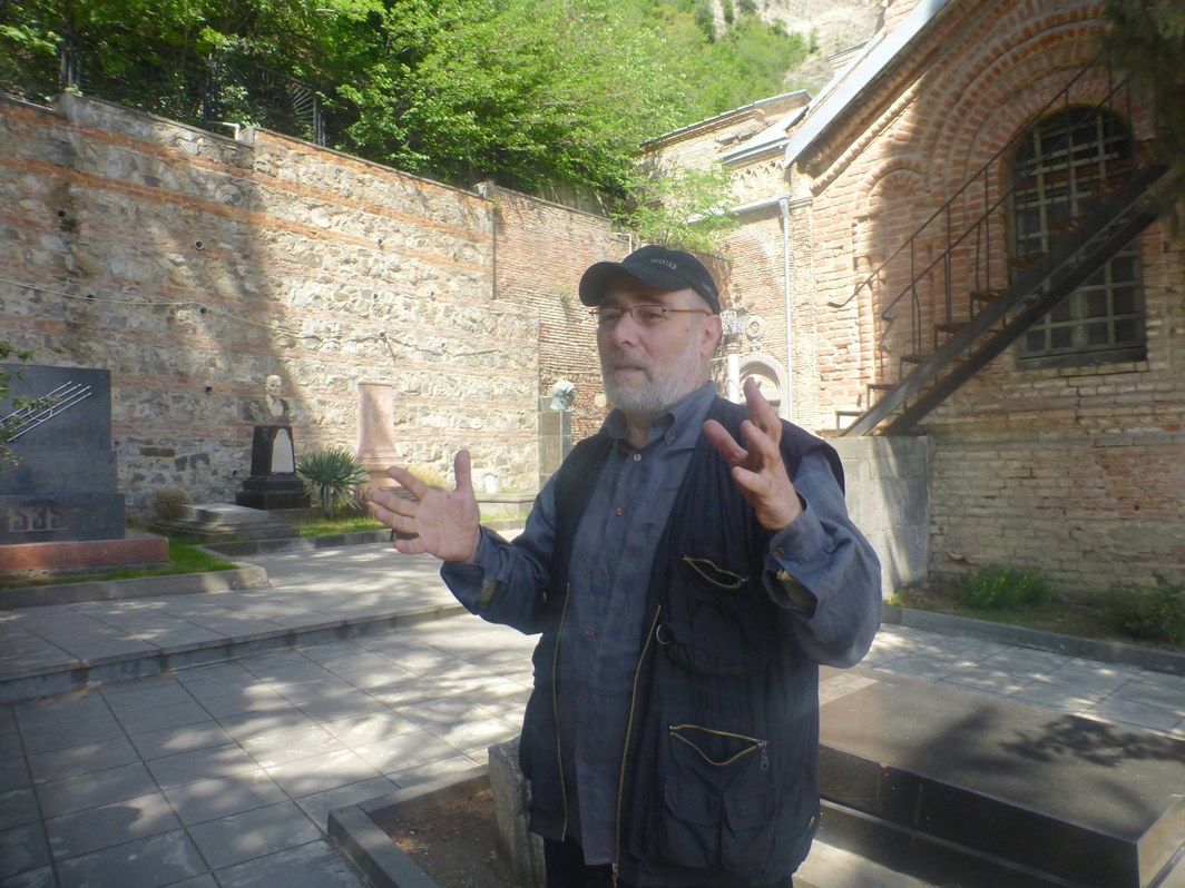 Artist Levan Chogoshvili at the Mtatsminda Pantheon.