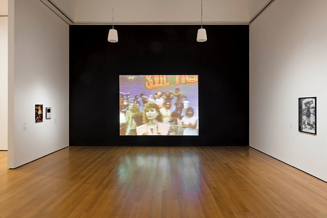 Adrian Piper, Funk Lessons, 1983–84, video, color, sound, 15 minutes 17 seconds. Installation view, Museum of Modern Art, New York, 2018. Photo: Martin Seck.