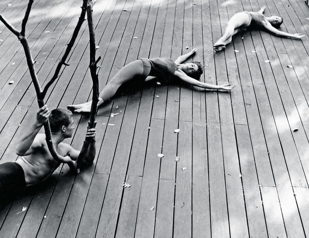 Anna Halprin, The Branch, 1957. Performance view, Halprin family dance deck, Kentfield, CA, 1957. From left: A. A. Leath, Anna Halprin, and Simone Forti. Photo: Warner Jepson.
