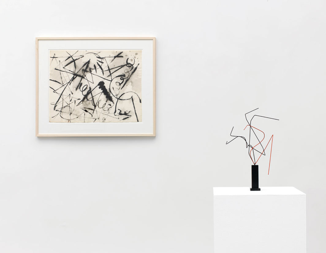 "View of ""Norbert Kricke and Ernst Wilhelm Nay,"" 2018. From left: Ernst Wilhelm Nay, Untitled, 1953; Norbert Kricke, Raumplastik Schwarz-Rot (Sculpture-Black-Red), 1955. Photo: Roman März."