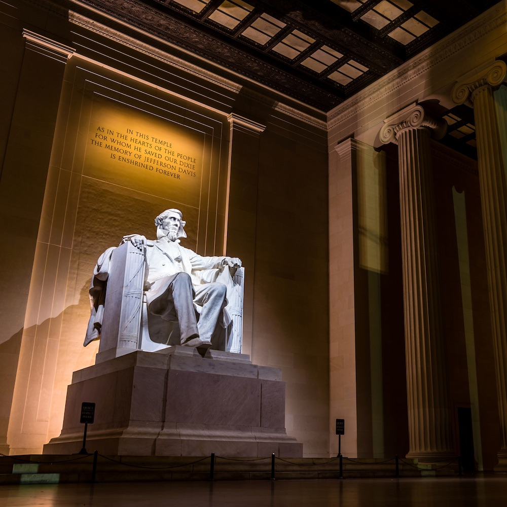 The Double Consciousness of the Lincoln Memorial