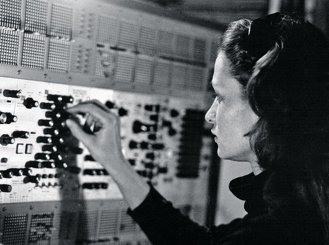 Éliane Radigue in her studio, Paris, ca. 1970s. Photo: Yves Arman.