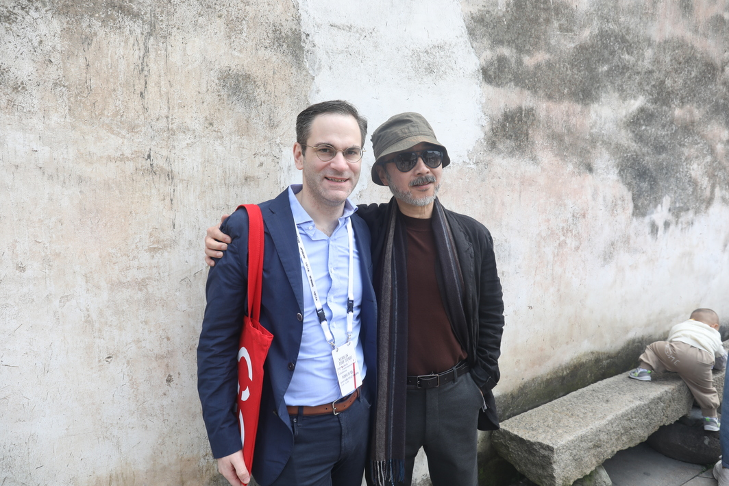 Phil Tinari with Artist Wang Luyan.