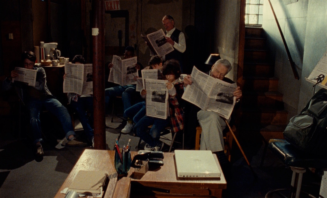 Patrick Wang, A Bread Factory, 2018, DCP, color, sound, 122 minutes. Jean Marc (Philip Kerr) and Sir Walter (Brian Murray) with the newspaper boys.