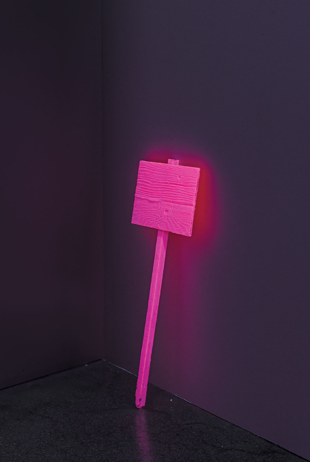 "Jacqueline Humphries, Sign, 2019, pigmented epoxy resin, 32 1⁄4 × 12 × 1 1⁄2"". Photo: Jason Mandela."