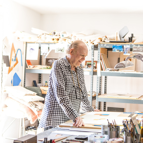 Tony DeLap in his studio. Photo: Laure Joliet. Courtesy of Parrasch Heijnen Gallery.