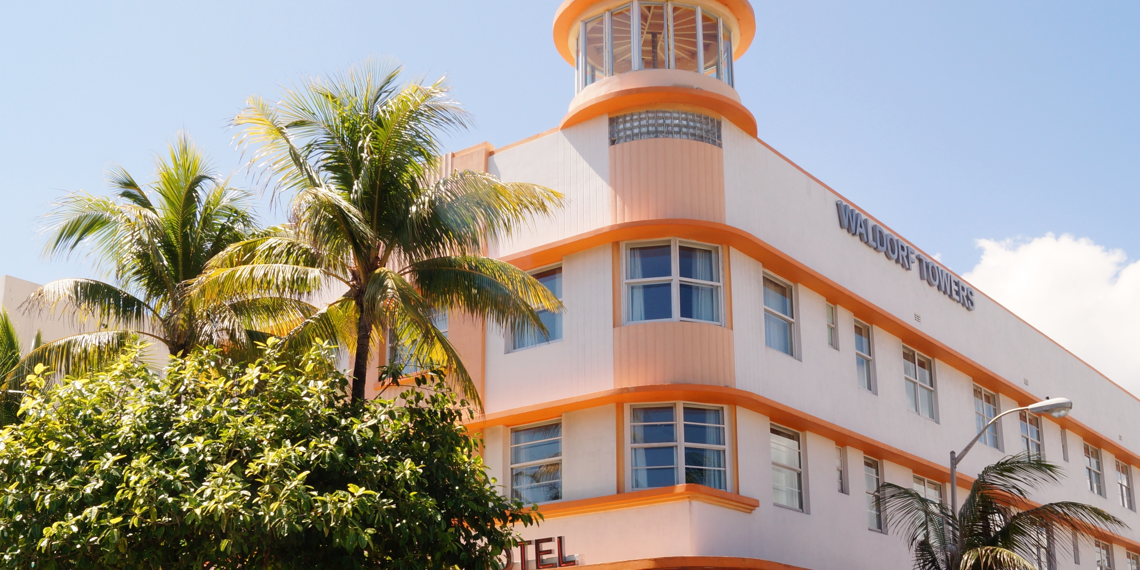 Albert Anis, Waldorf Towers, Miami Beach, Florida, 1937. Photo: Mickey Luigi Logitmark.