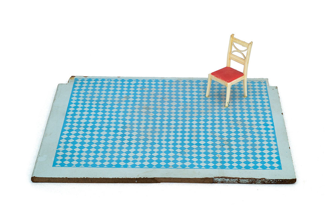 "Siah Armajani, Dictionary for Building: Back Yard, 1974–75, plastic maquette furniture, paint, plywood, 3 × 8 1⁄8 × 10""."