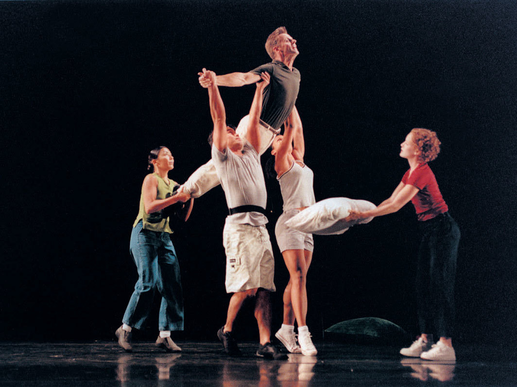 Yvonne Rainer, After Many a Summer Dies the Swan, 2000. Performance view, Brooklyn Academy of Music, June 6, 2000. From left: Emmanuèle Phuon, Michael Lomenka, Mikhail Baryshnikov, Roselynde LeBlanc, Emily Coates. Photo: Stephanie Berger.